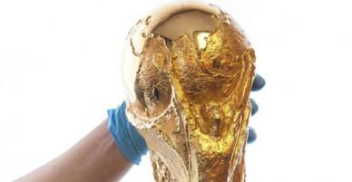 Là đương kim vô địch World Cup 2018 nhưng đội Pháp chỉ được nhận chiếc cúp bị sao chép ở lễ trao giải. Vì sao?