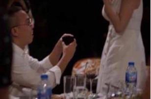 Tưởng đâu Hoàng Touliver đã cầu hôn thành công với Tóc Tiên nhưng sự thật không phải như vậy!