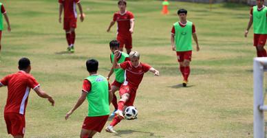 [Chùm ảnh]: Đội tuyển Olympic Việt Nam tích cực tập luyện chuẩn bị cho trận tranh HCĐ trước đội tuyển UAE