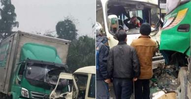 Tai nạn giao thông kinh hoàng khiến nhiều hành khách bị thương nghiêm trọng